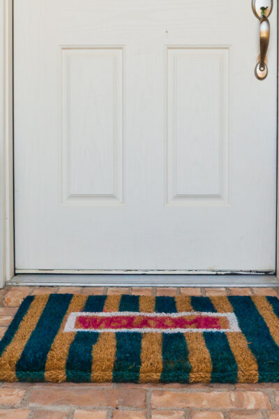 A tutorial on how to make DIY Doormats.