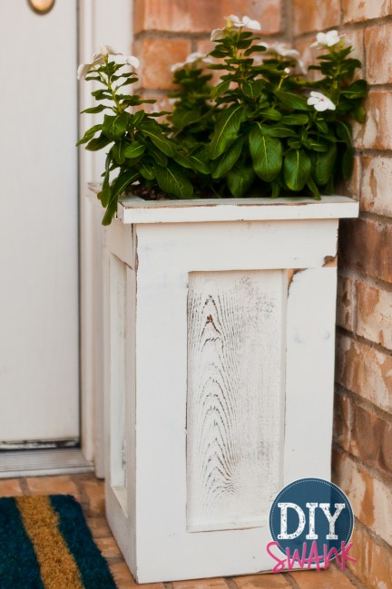 Different styles and sizes of DIY cedar planters.