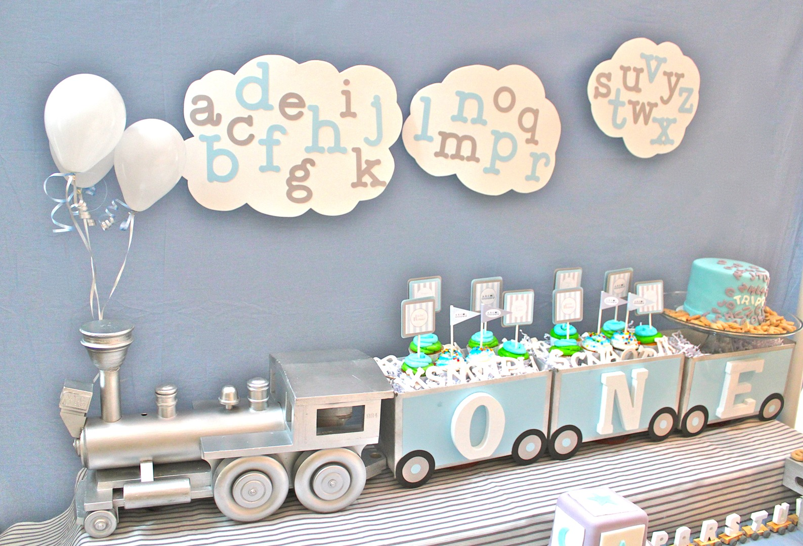 Cute boy 1st birthday party themes for 1 birthday decoration images